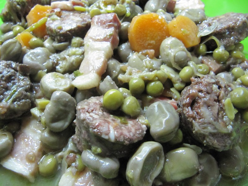 Entrantes ensaladas patatas verduras y legumbres habas for Siembra de habas y guisantes